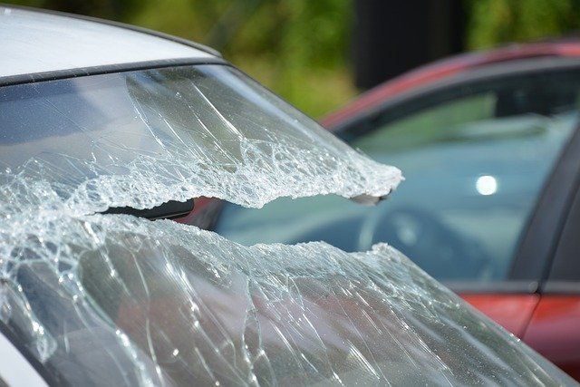 Driving with a Cracked Windshield: Is it Safe?