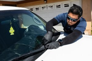 Important Signs to Spot Expert Autoglass Solutions Provider