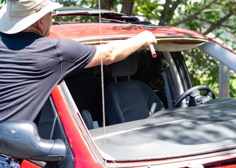 What are the tasks of an autoglass solutions provider?