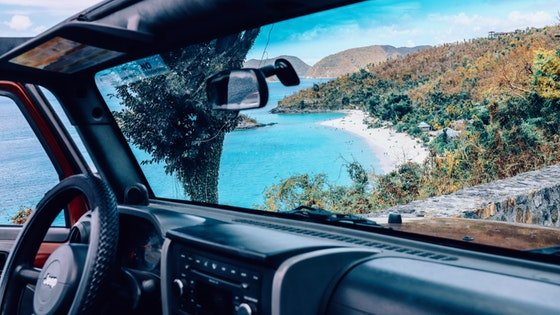 Use cases of when to choose Windshield Repair or Windshield Replacement